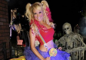 Bridget Marquardt, costume
