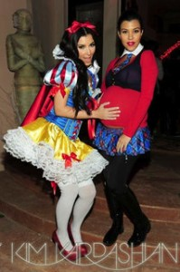 Kim and Kourtney Kardashian, Costume