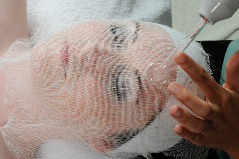 High Frequency Enhancing Skin Treatments And Zapping Acne