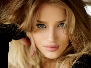 Rosie-Huntington-Whiteley-7